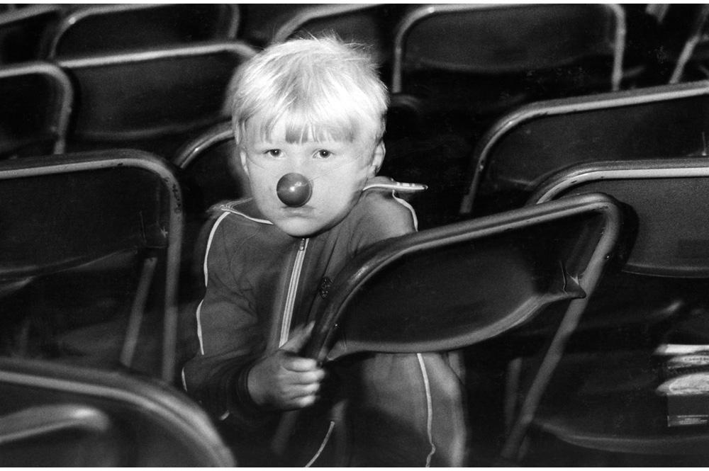 2-Junge-mit-roter-Nase_Moskau_Roter-Platz_Reportagen