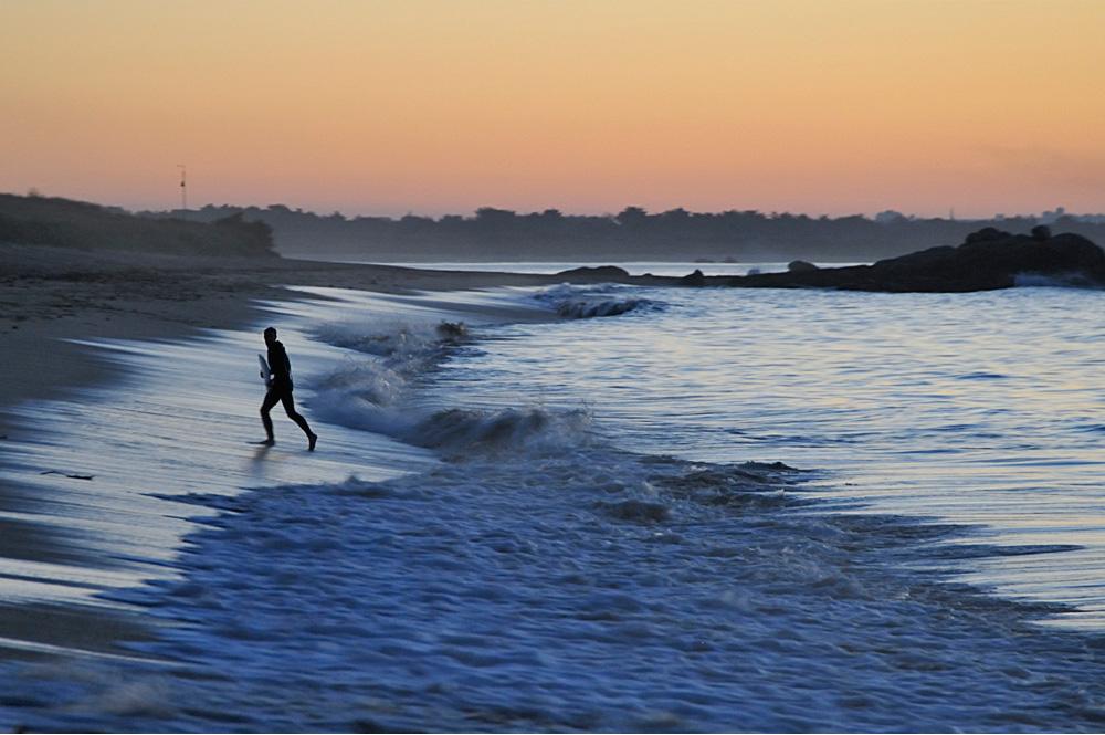 6-Bretagne_Plouescat_Porsmeur_Surfer