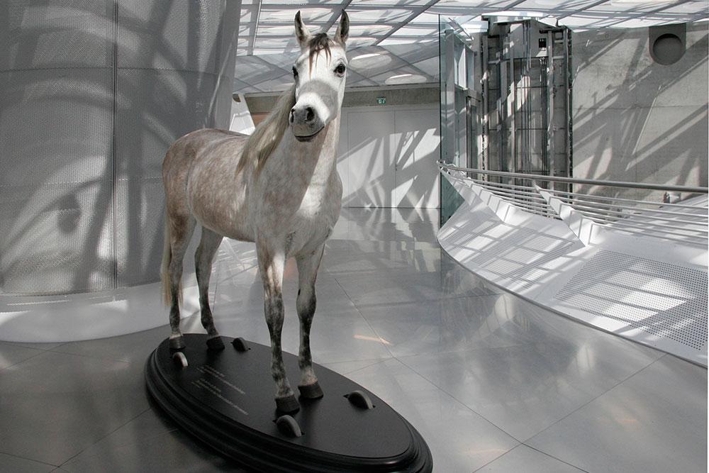 mercedes_benz_museum_002